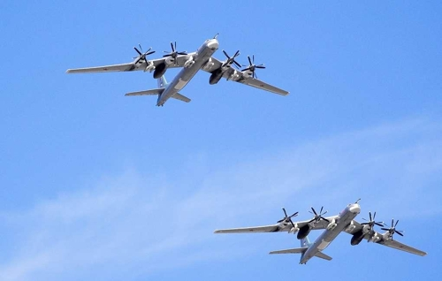 """러 """"전략폭격기 Tu-95MS 2대 동해 상공 등에서 정기 훈련비행"""""""