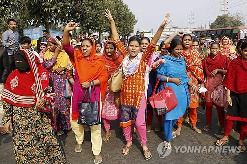 """""""방글라 의류노동자 1만명, 임금인상 요구하다 무더기 해고"""""""