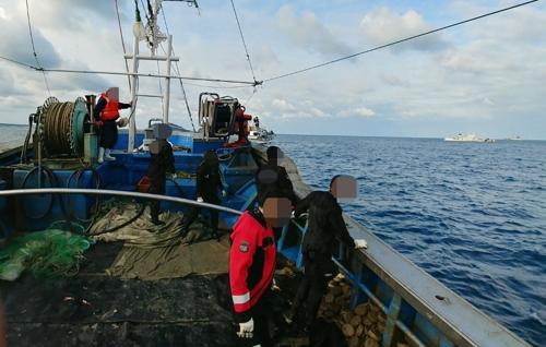 제주 한림 앞바다서 암초에 걸린 어선에 선장 미탑승(종합 2보)