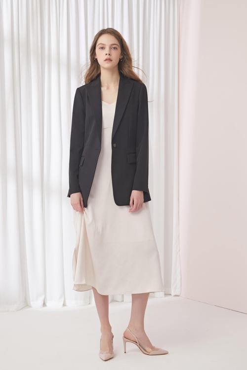 현대홈쇼핑, 미국 패션 브랜드 'AK앤클라인' 의류 출시
