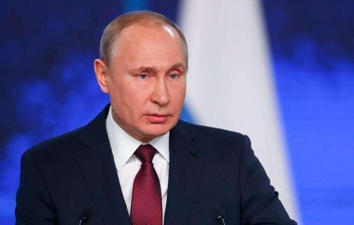 """푸틴 """"INF 금지 중·단거리 미사일 유럽 배치되면 대칭적 대응"""""""