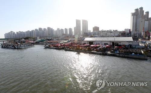 불난 소래포구 현대화 '성큼'…인천 남동구-상인 협약