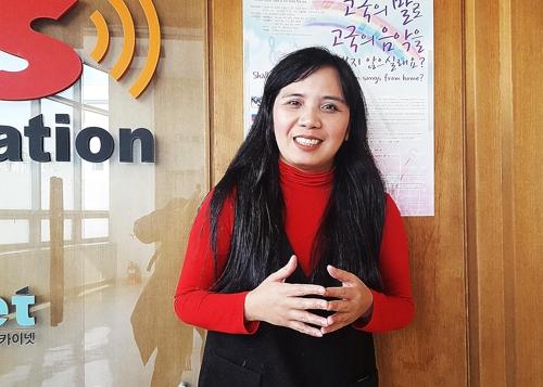 """[사람들] 필리핀 이주여성 DJ 제니 김 """"한국인 목소리 커도 마음은 따.."""