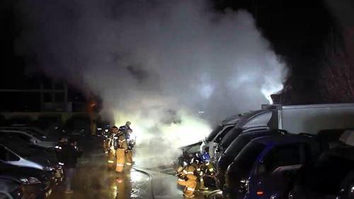 창원 중고차 매매상 불…차량 11대 불타 7천만원 피해
