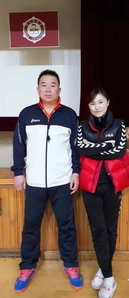 14살 차이 핸드볼 부부…아내가 감독, 남편은 코치로 팀 이끈다