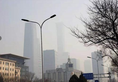 """양회 끝나자 베이징에 또 스모그…""""뿌연 하늘 숨막혀""""(종합)"""