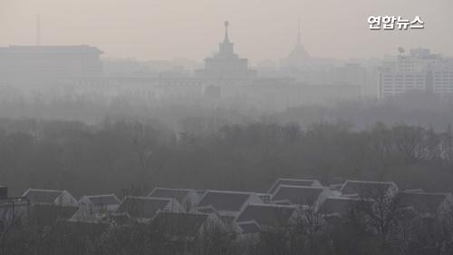 [영상] 중국 베이징에 또다시 스모그…양회 끝나니 뿌연 하늘
