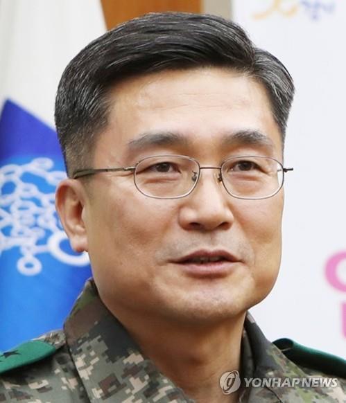 대장급 軍인사 '기수파괴·쇄신'…합참서 육·공군총장 발탁(종합)