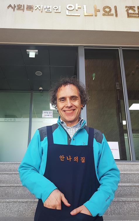 """[인터뷰] 이탈리아 출신 김하종 신부 """"한 끼 나누는 게 가장 큰 사랑"""""""