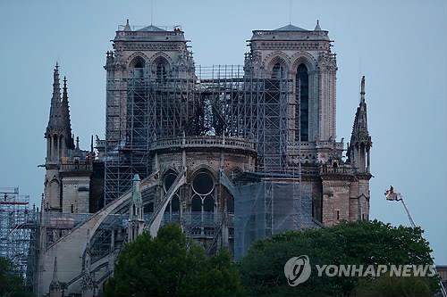 노트르담 살리자 루이뷔통·구찌·로레알 등 수천억 쾌척(종합)