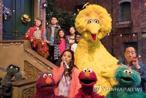 美최장수 어린이 프로 '세서미 스트리트' 50주년…대륙횡단 축제