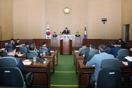 여야 밀양시의원 '아랑영정·가요박물관' 친일잔재 논란