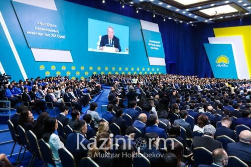 나자르바예프, 카자흐 대선후보로 토카예프 임시대통령 추천