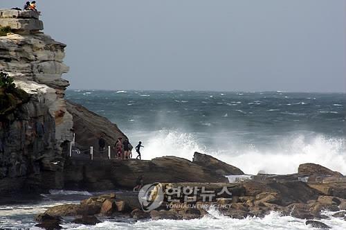 '바다가 독해졌다'…파도 높아지고 바람은 거세져