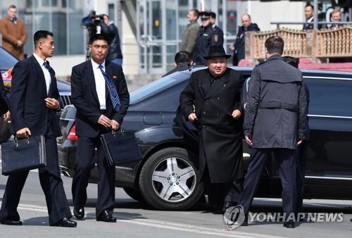 """'김정은 전용차' 제조사 다임러 """"북한과 거래한 적 없다"""""""