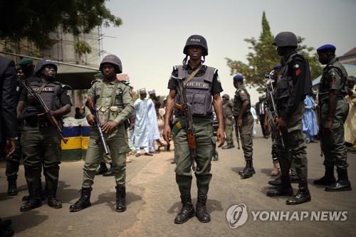 나이지리아 경찰, 중국인 5명 포함 인질 27명 구출