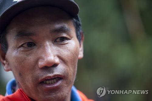 에베레스트만 23번 오른 사나이…네팔 셰르파, 최고 기록 경신