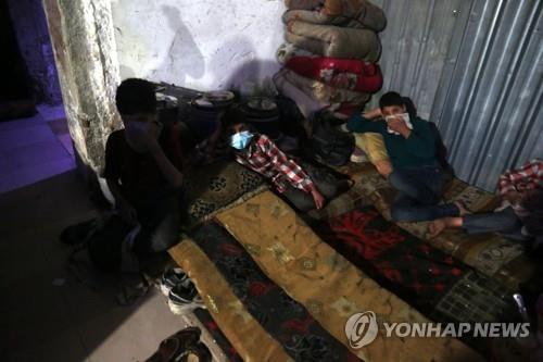 """美 """"시리아 또 화학무기 사용 의심…확인시 즉각 대응"""""""