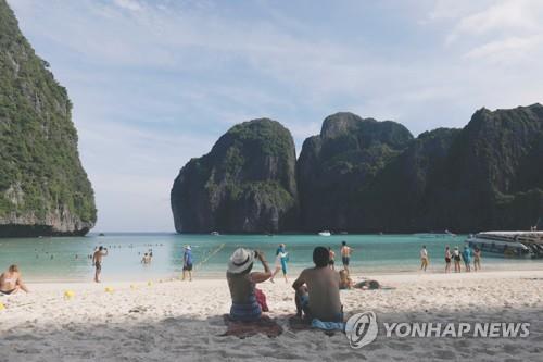 태국 마야베이 폐쇄 연장에 산호 옮겨심기…생태복원 '올인'