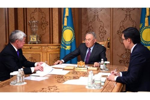'30년 통치' 카자흐 초대 대통령, 사임 후에도 국정현안 관장