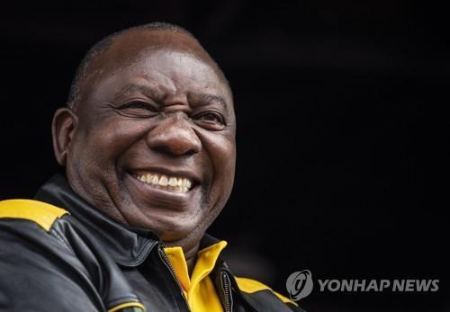 """남아공 의회, 라마포사 대통령 재선출…""""경제회복 책무"""""""