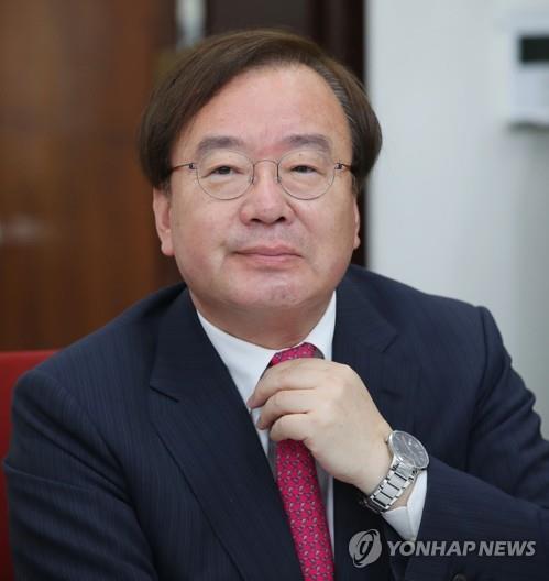 """한국당, 강효상 엄호…""""구걸외교 민낯 들키자 공무원에게 책임"""""""