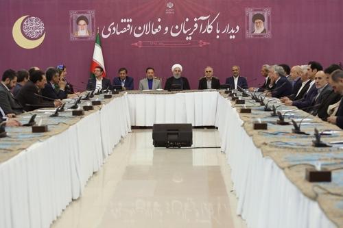 """테헤란 다녀온 오만 외무 """"이란, 美압박 없어야 협상한다더라"""""""