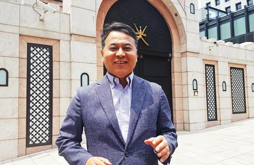 """[인터뷰] 이희수 교수 """"난민 신청한 예멘인들 잘 지냅니다"""""""