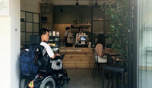 중증장애인들이 만든 단편영화, 토론토 스마트폰 영화제 간다