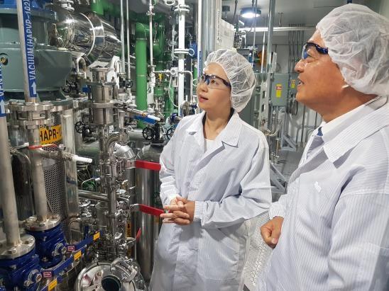 [동정] 이의경 식약처장, 원료의약품 제조업체 현장 방문