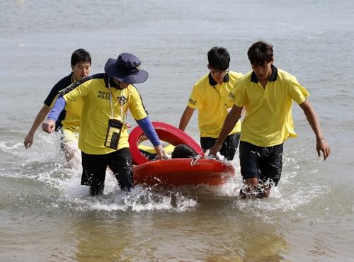 '안전이 최고' 태안 모든 해수욕장에 자격증 소지자 배치