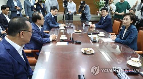 부·울·경 단체장 '신공항 면담'에 대구·경북지역 강력 반발