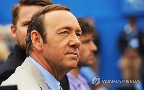 케빈 스페이시, 청소년 성추행 혐의 벗나…고소인 증언 번복