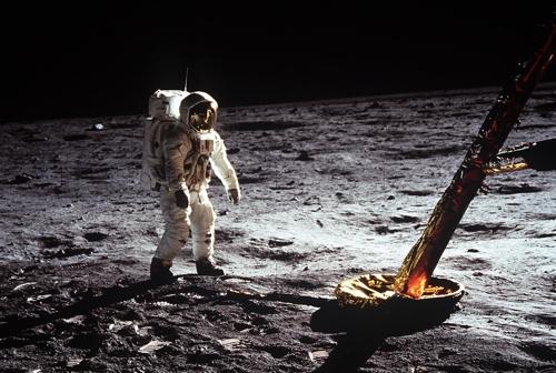 '우주담요'서 '해썹'까지 아폴로 기술 일상 곳곳에 녹아있어