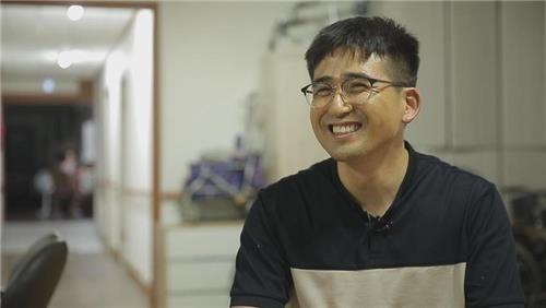 """""""20년간 4천600명 이발 봉사""""…삼성전자 반도체 엔지니어 '화제'"""