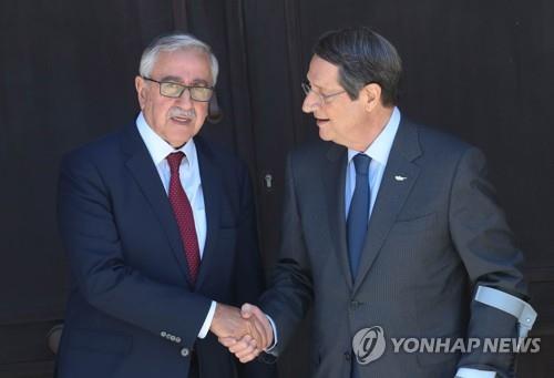 지중해 분단국 남·북 키프로스 정상 중립지대서 회담