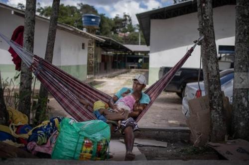 브라질-베네수엘라 국경도시 난민 유입 반대시위로 충돌 우려
