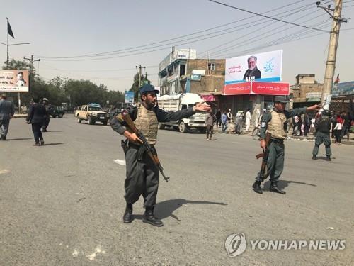 """아프간 카불 서부 결혼식장서 폭발…""""수십명 사상"""""""