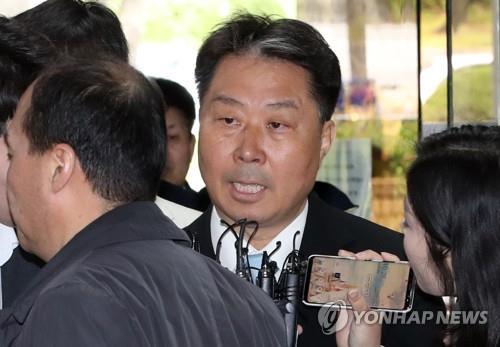 """'가습기살균제' 애경·SK 임직원들 첫재판…""""유해성 입증 안돼"""""""