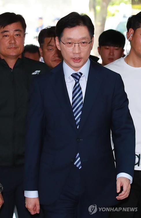 """'킹크랩 개발' 드루킹 측근 """"김경수, 시연 봤다…고개 끄덕여"""""""
