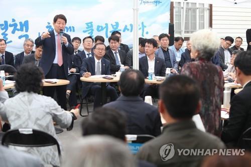 [동정] 권영진 대구시장 추석 앞두고 노인요양시설 방문