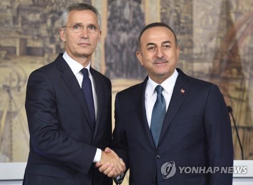 """나토 """"시리아 군사작전 자제해야""""…터키 """"분명한 연대 보여달라"""""""