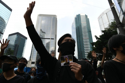 홍콩 호텔들, 시위 장기화에 수익률 '반 토막'