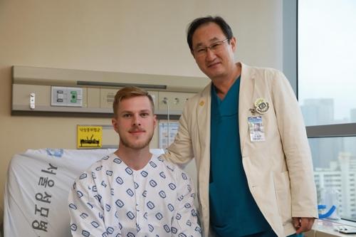 서울성모병원, 독일서 실패한 오목가슴 환자 수술 성공