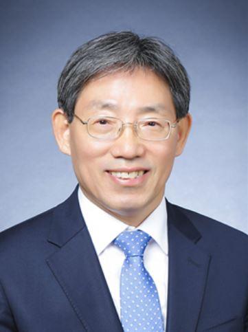 [동정] 대한전기학회 제50대 회장에 성균관대 김철환 교수