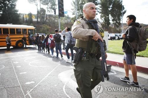 생일에 총질 한 16세 소년…되살아난 美 학교 총격 망령(종합)
