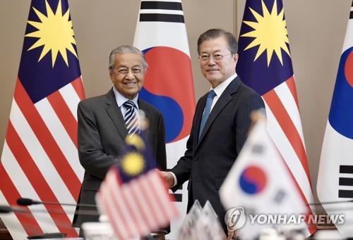 마하티르 말레이 총리, 韓日에 '화해·협력' 조언