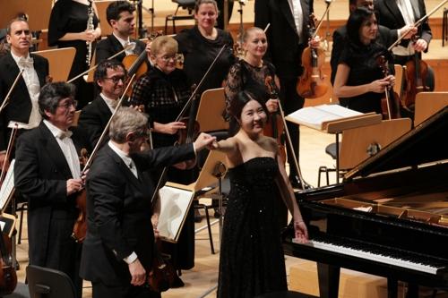 스페인 사로잡은 피아니스트 문지영…마드리드오케스트라 협연