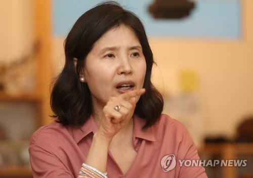 """최영미 """"고은, 손배소 상고 안해…대법원 안가고 끝"""""""