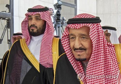 사우디, 美서 자국장교 총격에 '당황'…국왕, 트럼프에 전화